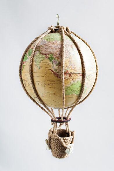 Украшение в детскую воздушный шар с картой мира